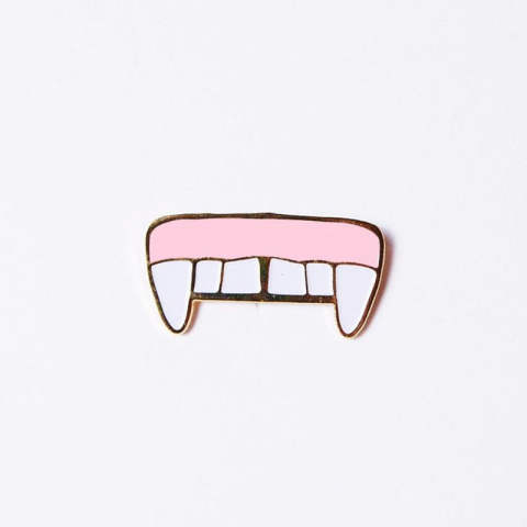FANGS PIN (pins)